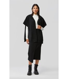 YARA knitted cape with hood -BLACK
