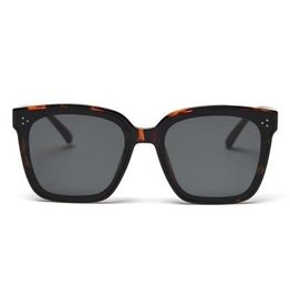Shady Lady - Riley Sunglasses