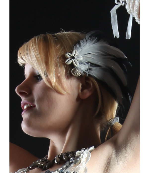 Gothic Feather Fascinator Snow White Cowry