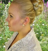 Chignon & Braid M, crimped hair