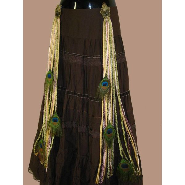 Rose Nostalgia Peacock tassel