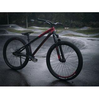 "Complete bike Two6Player Pump, 26"" wheels, glossy Black Devil"