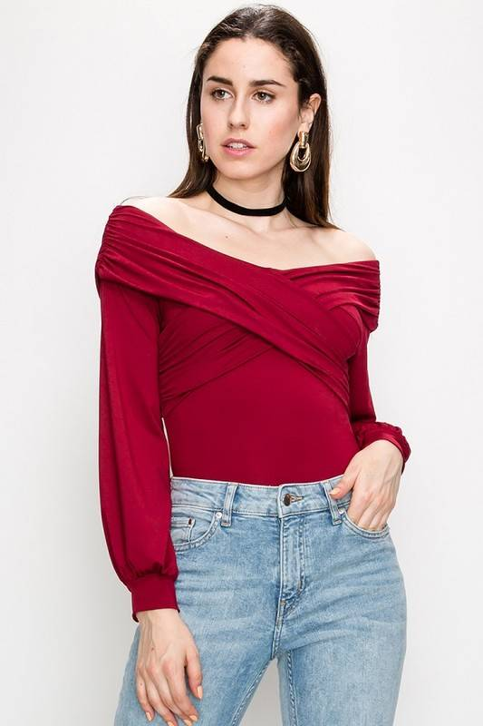OFF SHOULDER FITTED TOP