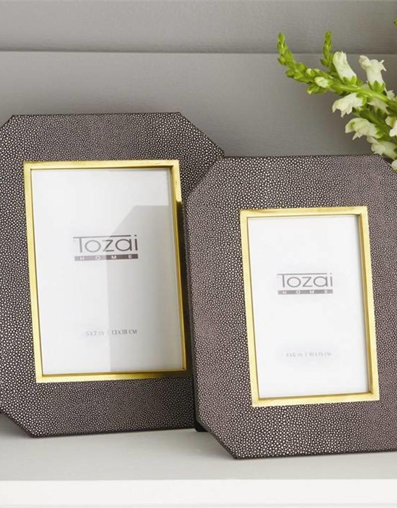 TOZAI Grey Stingray Photo 5x7