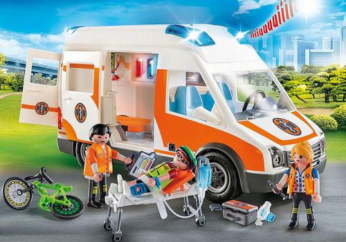 Playmobil Ambulance et secouristes / Ambulance with flashing lights