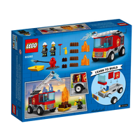 City - Le camion des pompiers avec échelle