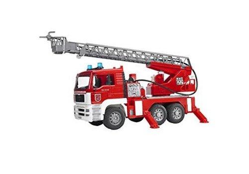 Bruder Camion de pompier avec échelle, arrosoir, Sons et lumières