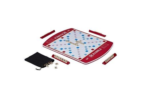 Hasbro Scrabble avec plaque tournante