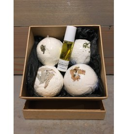 Cheyenne Mcginnis Gift Box Bathbombs