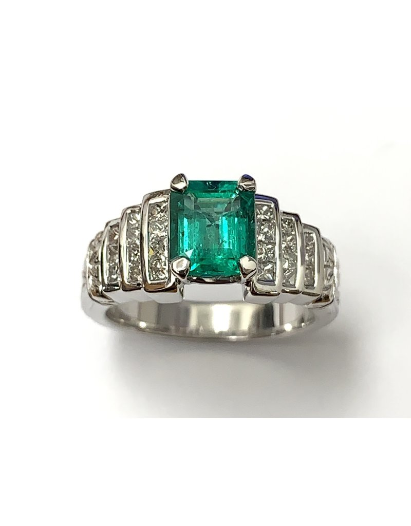 Emerald & Diamond Carved Ring 18KW