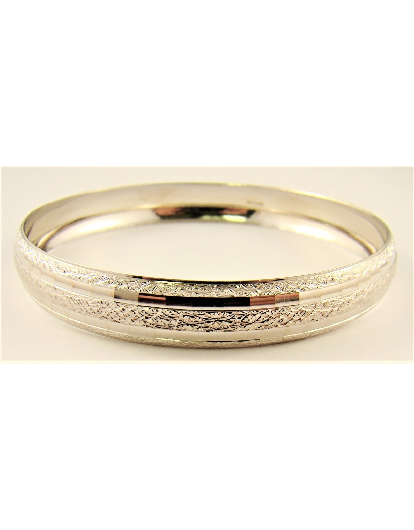 10.3mm Domed Round Bangle 10KW