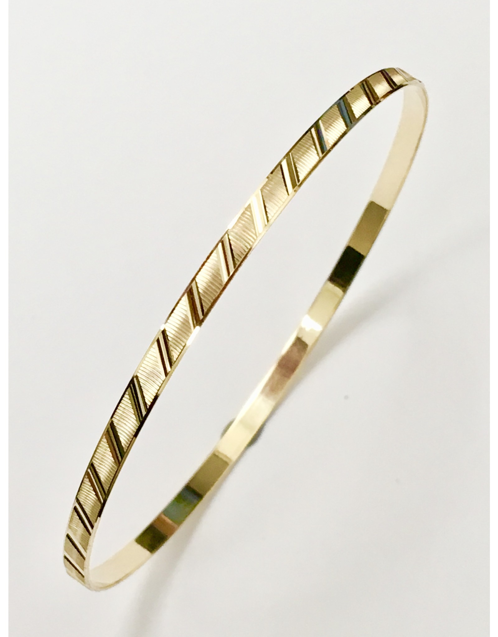 3.2mm Fancy Cut Bangle 10KY