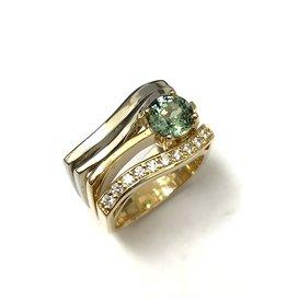 Contemporay Sapphire & Diamond Ring