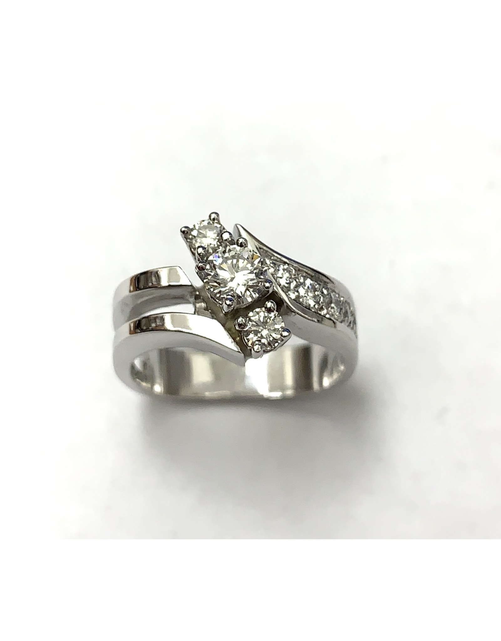0.61ctw Contemporary Style Diamond Ring 14KW