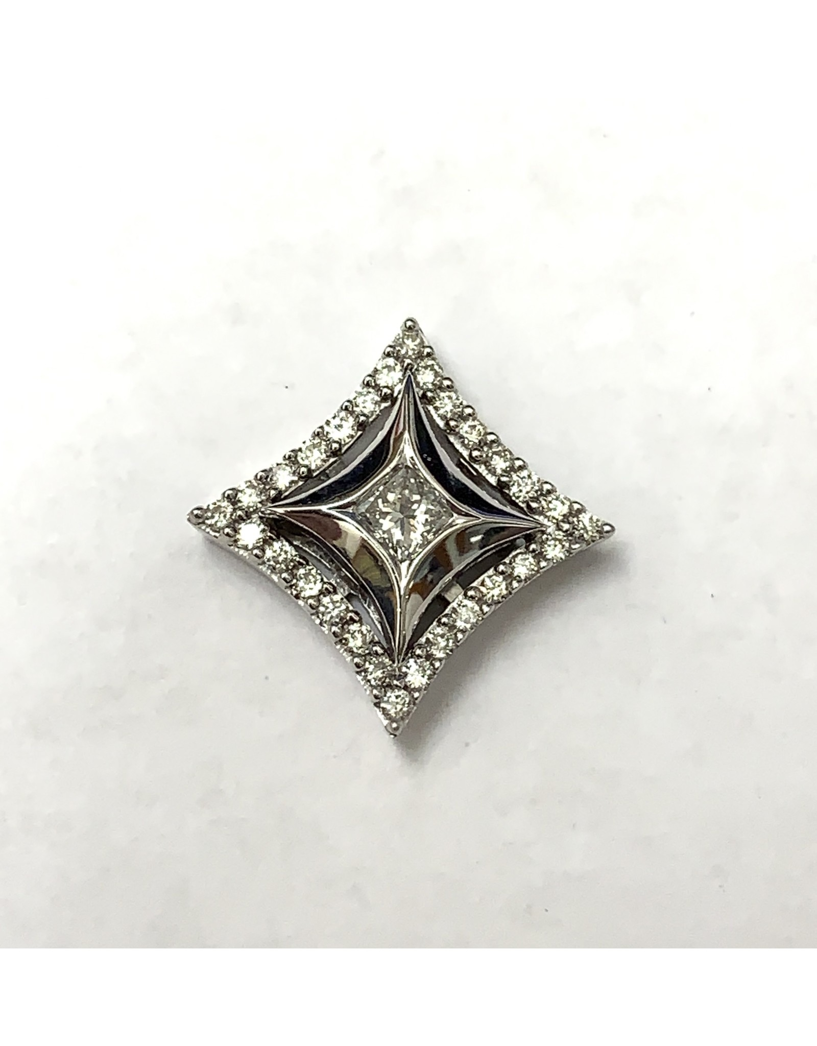 0.33ctw Star Diamond Pendant 14KW