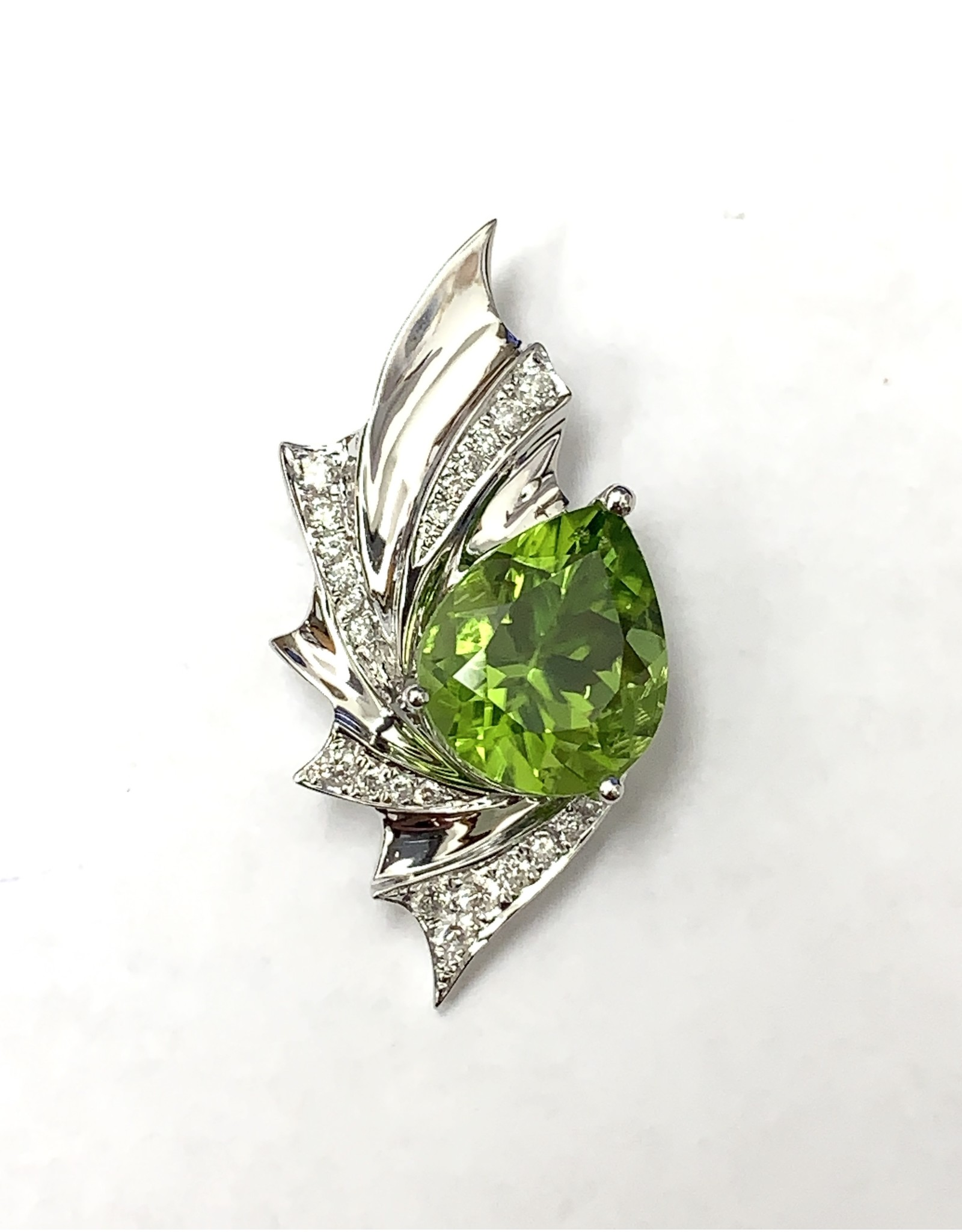 3.95ct Peridot & Diamond Pendant 14KW