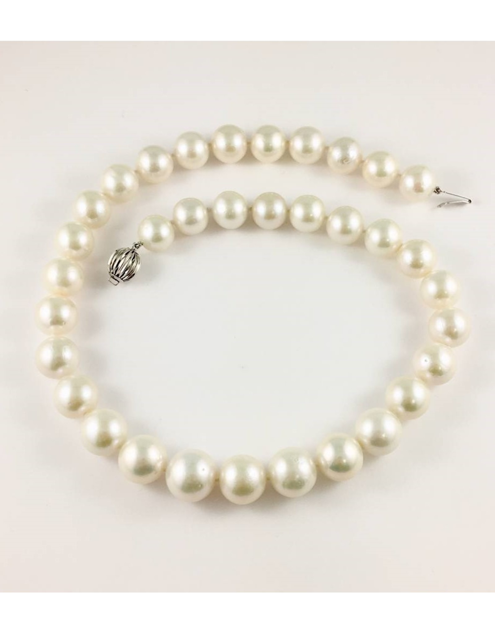 Freshwater (12-15mm) Pearl Necklace 14KW
