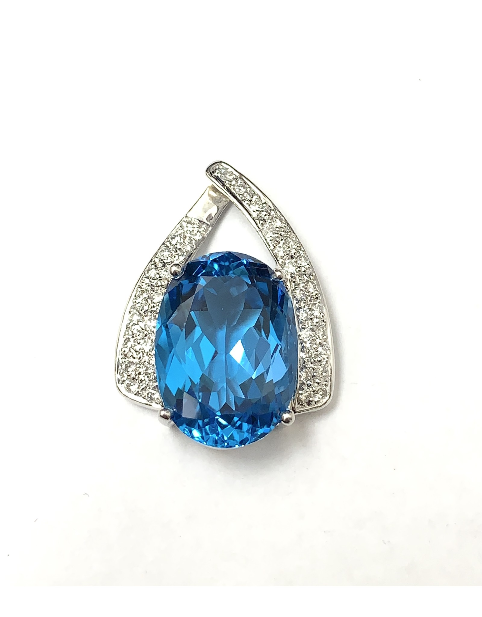 15ct Topaz & Diamond Pendant 14KW