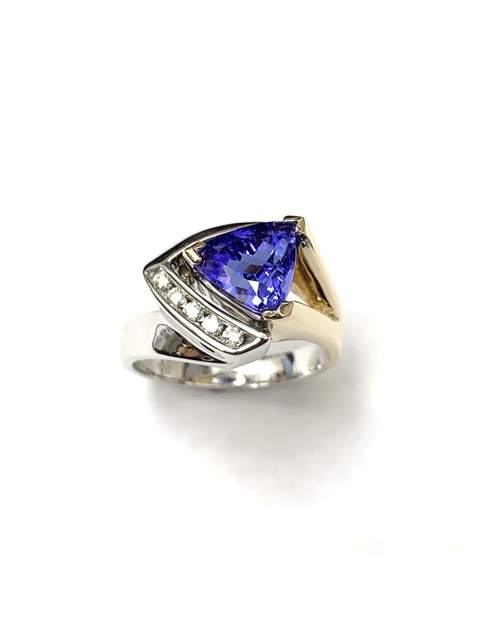 2.52ct Tanzanite & Diamond Ring 14KWY