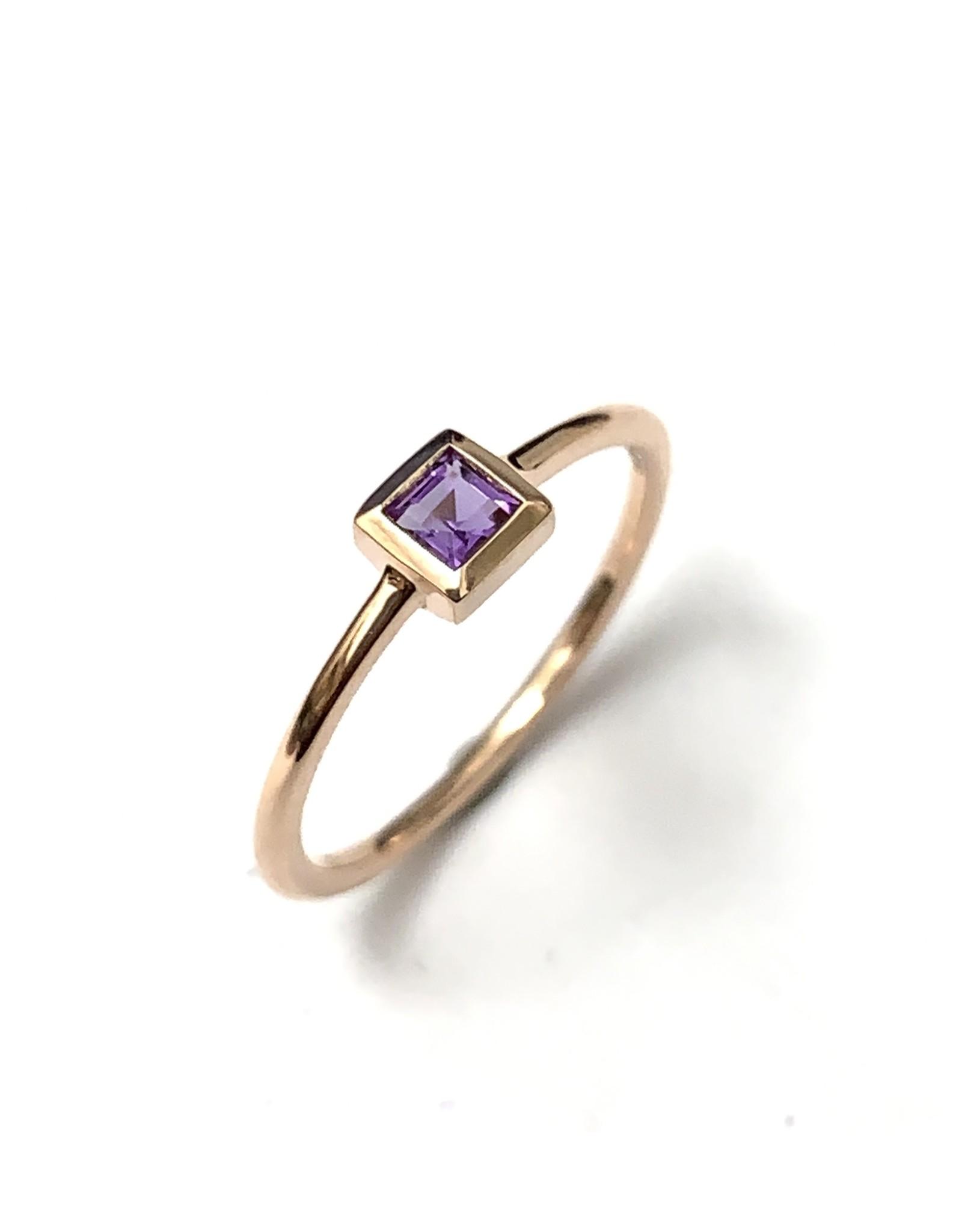 Chi Chi Amethyst Ring 10KR