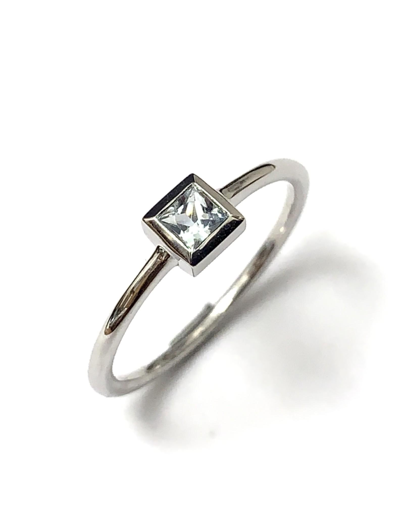 Chi Chi Aquamarine Ring 10KW