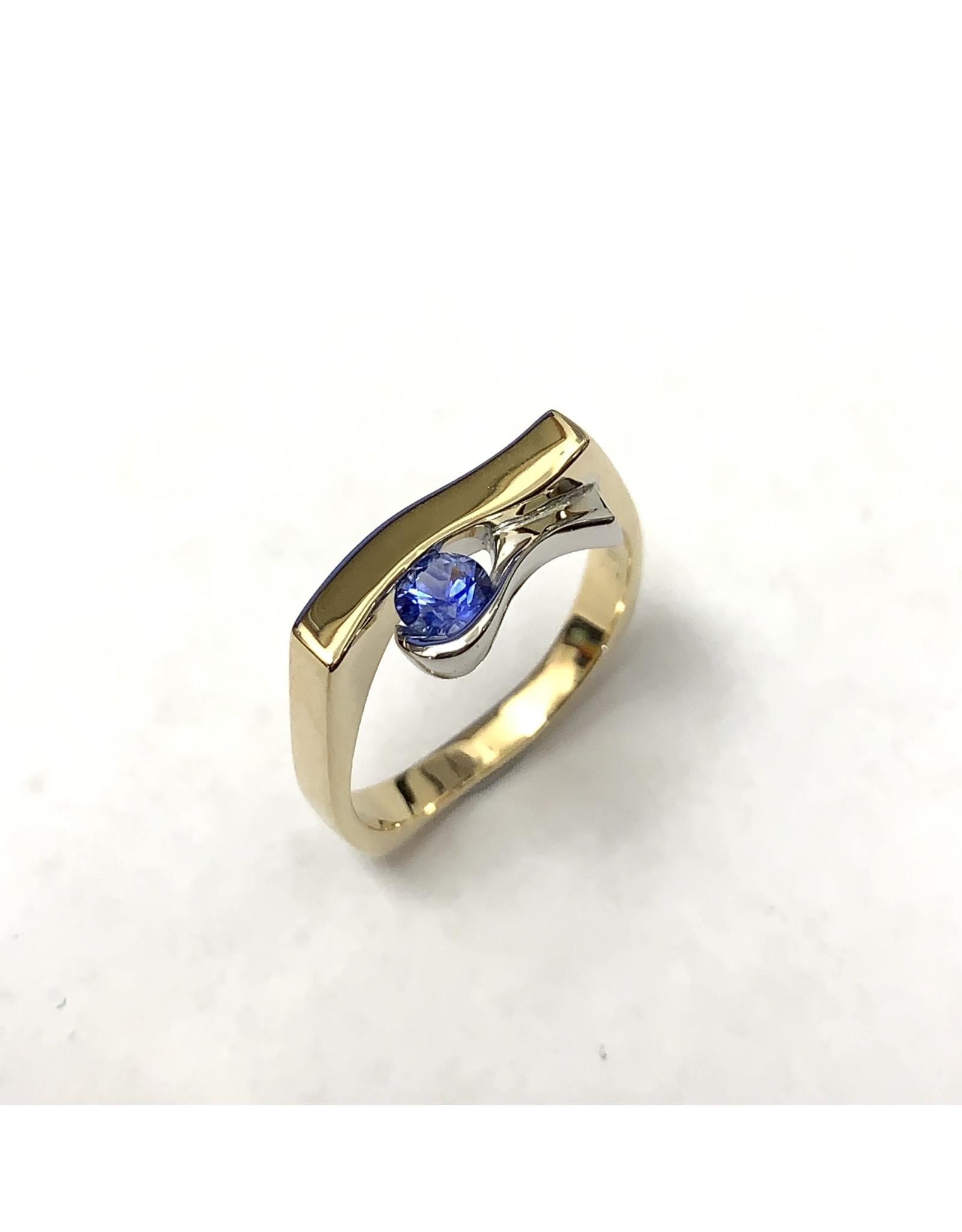 0.28ct Contemporary Sapphire Ring 10KY/14KW