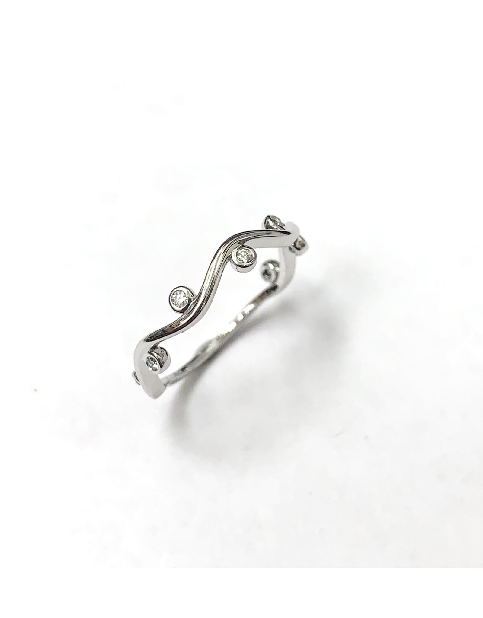 Chi Chi Twist Diamond Ring 10KW
