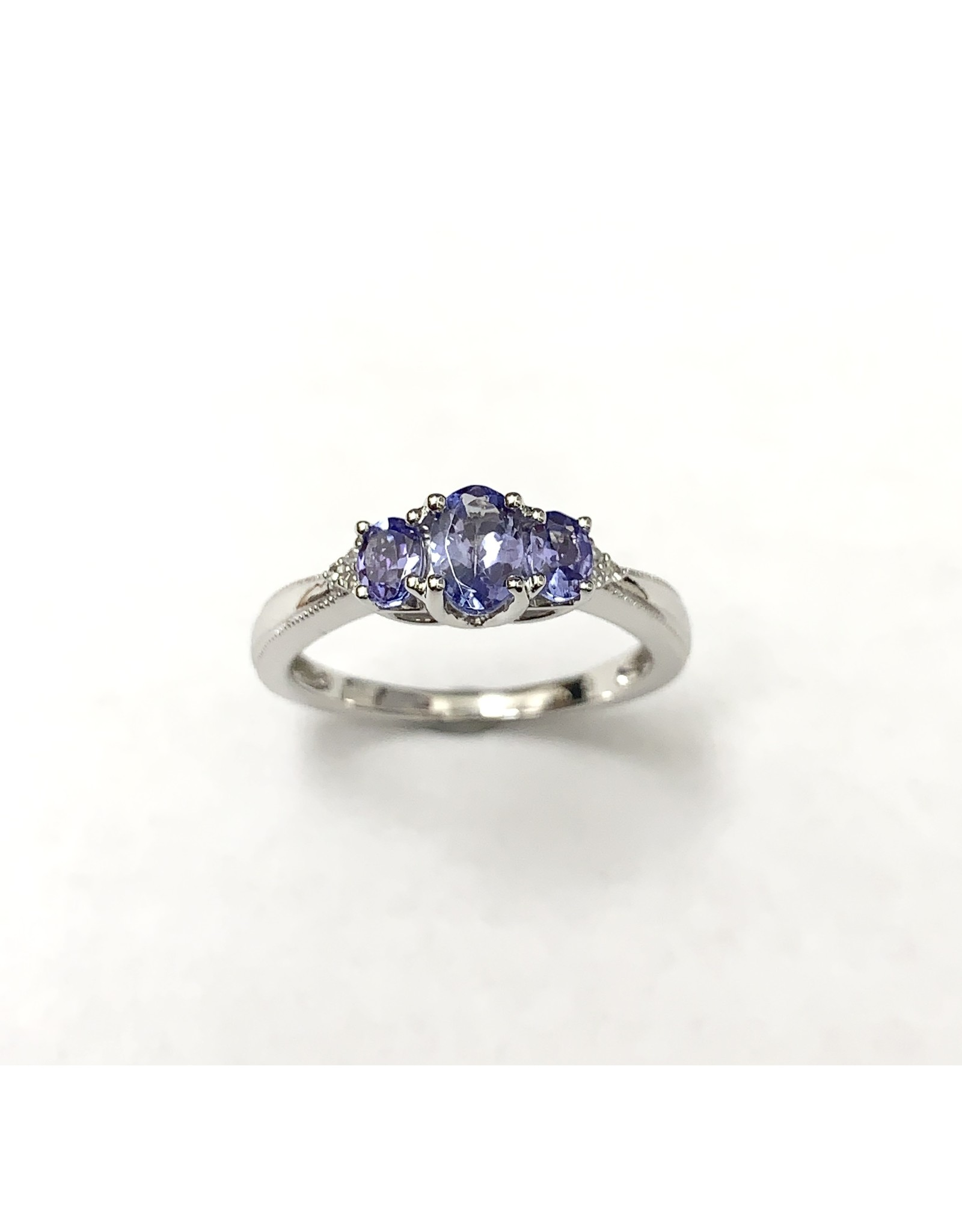 Tanzanite & Diamond Ring 10KW