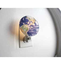 Kikkerland Night Light Earth