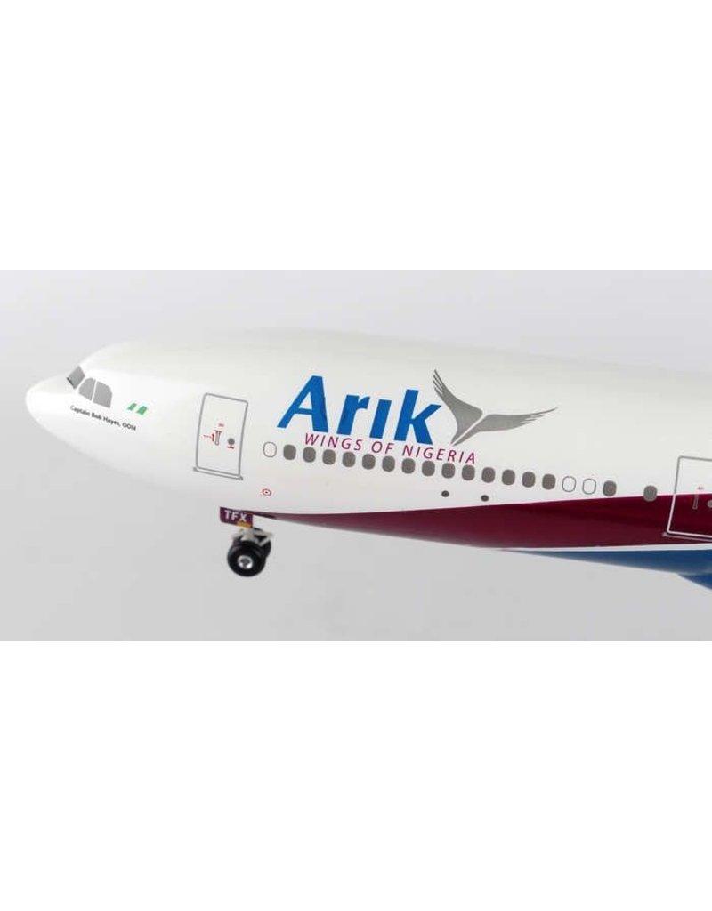 Hogan Arik Air A340-500 1/200 W/Gear