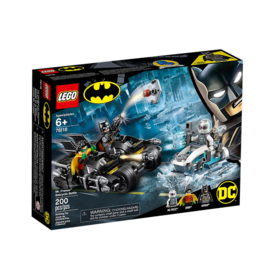 LEGO Mr. Freeze™ Batcycle™ Battle