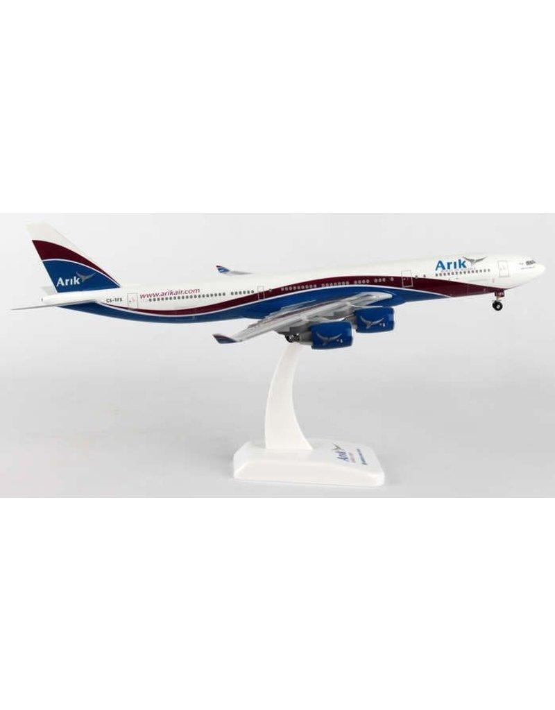 Hogan Arik Air A340-500 1/200 W/Gear