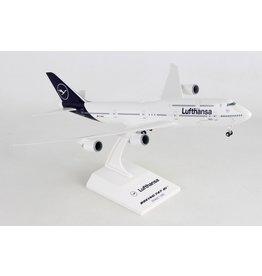 Skymarks Lufthansa 747-8I 1/200 W/Gear New Livery