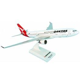 SKYMARKS QANTAS A330-200 1/200