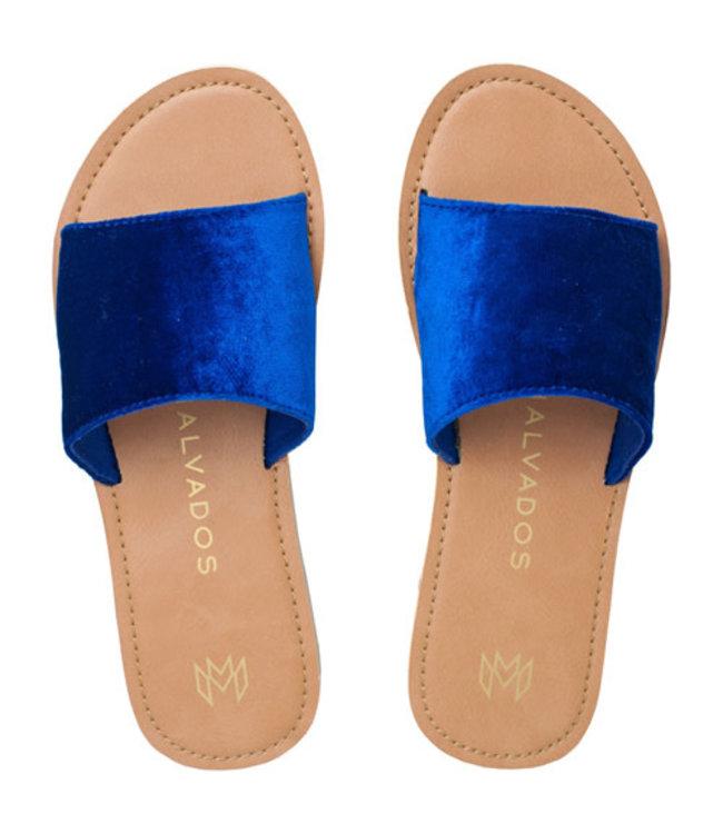 Malvados Womens Icon Taylor Plush Sandal