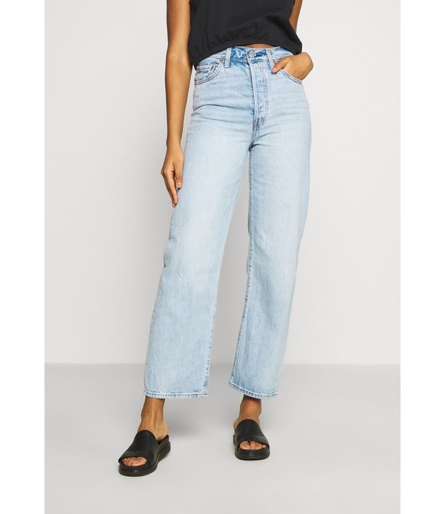 Levis Womens Ribcage Straight Ankle