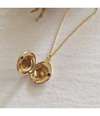 Pika & Bear Pika & Bear Jane Round Locket Necklace - Gold