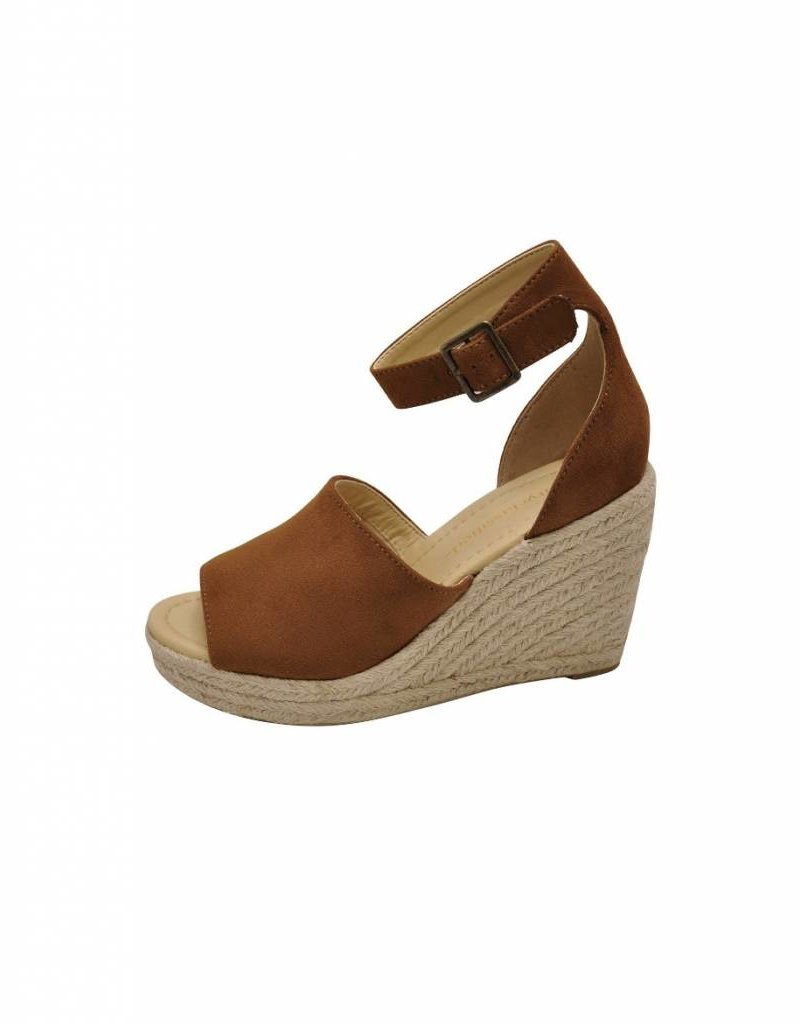 Lucia Wedges