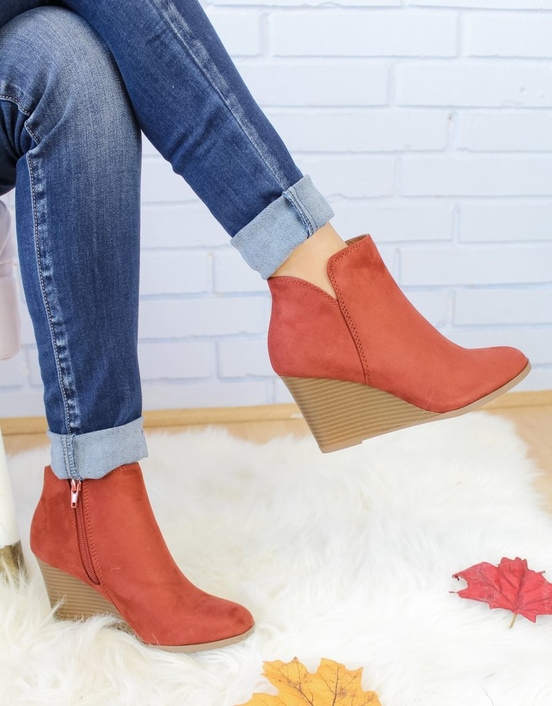 The Deandra Bootie
