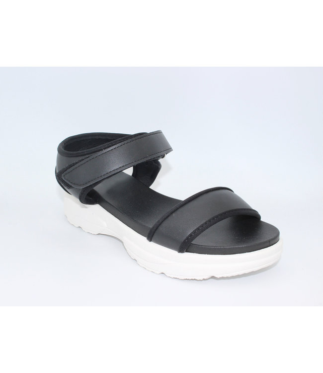 Walk It Off Sandal (in Black)