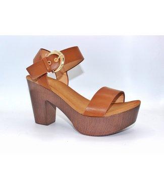 The Isabel Block Heel (in Tan)