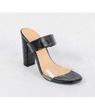 The Smooch Heel (in Black)