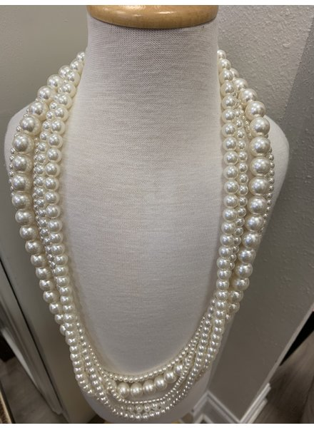 M.L. Kids Long Pearls