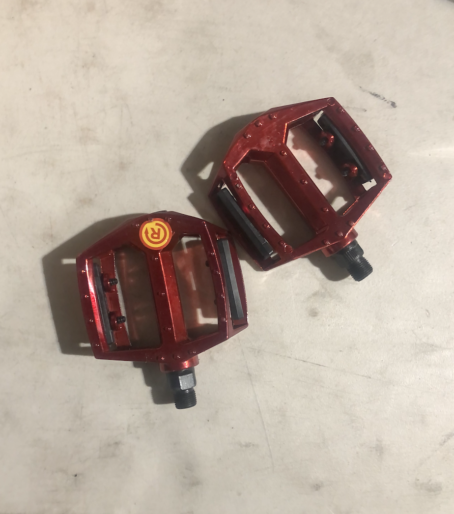 9/16 Pedals (Red)