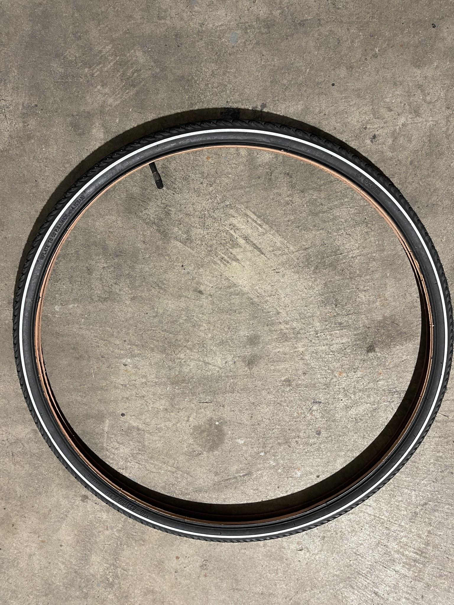 Bulk 700 X 38 Black Tire & Tube