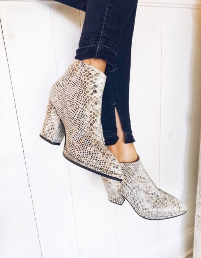 SNAKE BOOTIE