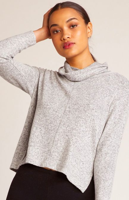 BRUSHED KNIT SWEATSHIRT