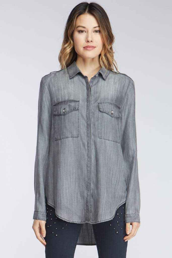 CHAMBRAY LONG SLEEVED BUTTON UP