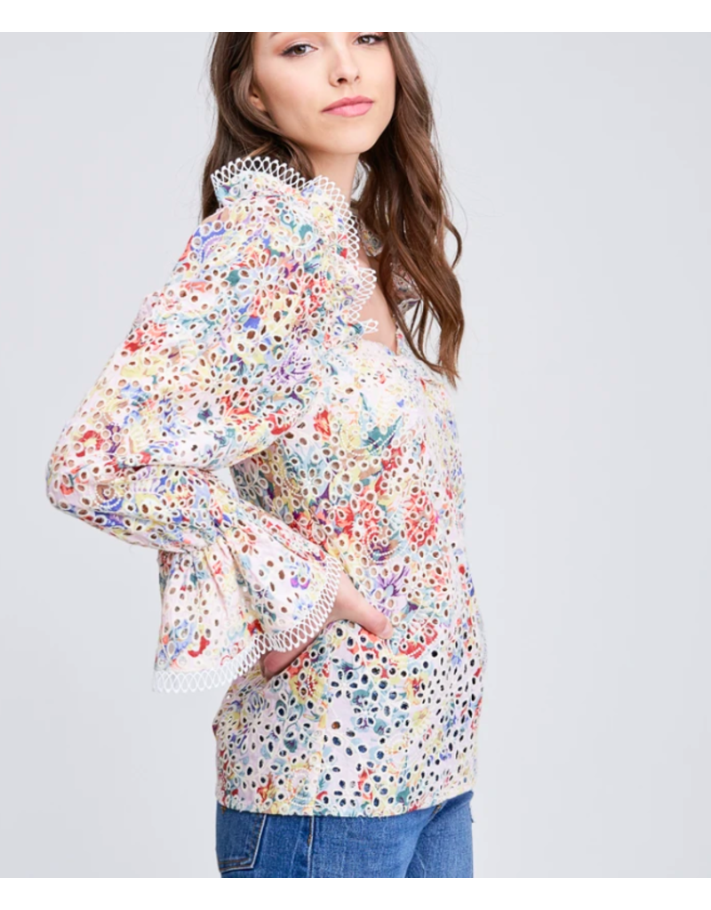 EYELET BLOUSE WITH RUFFLED SLEEVE