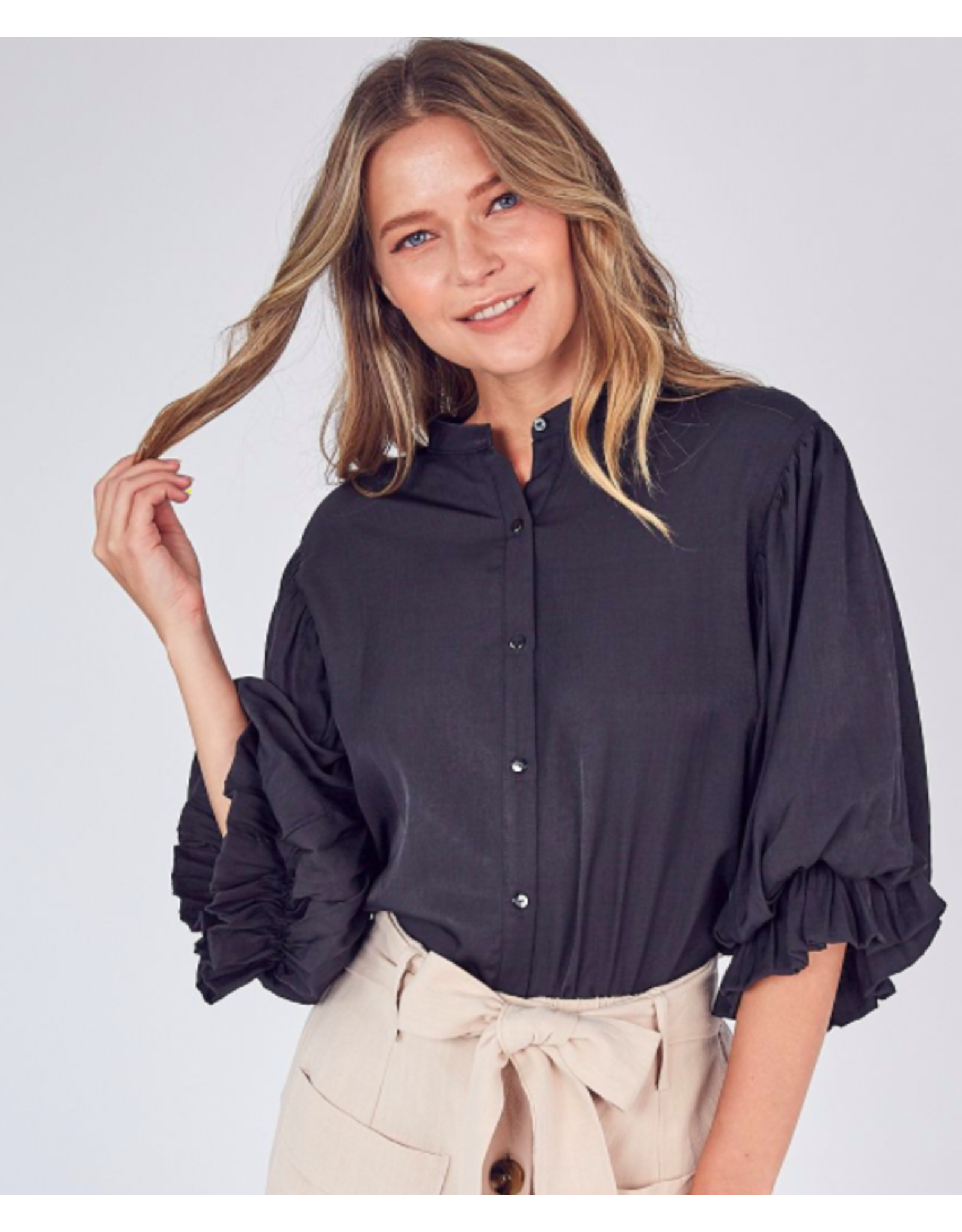 BALLOON SLEEVE BUTTON UP SHIRT